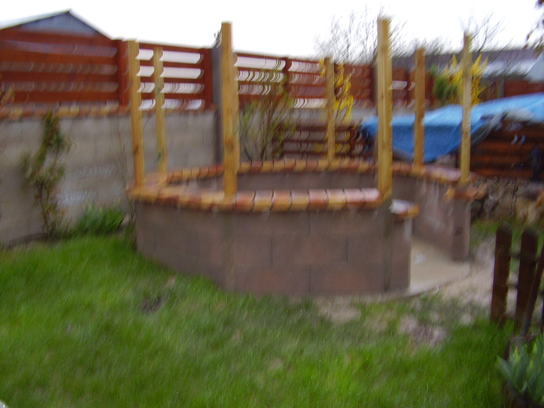 Comment construire kiosque jardin for Comment construire en bois